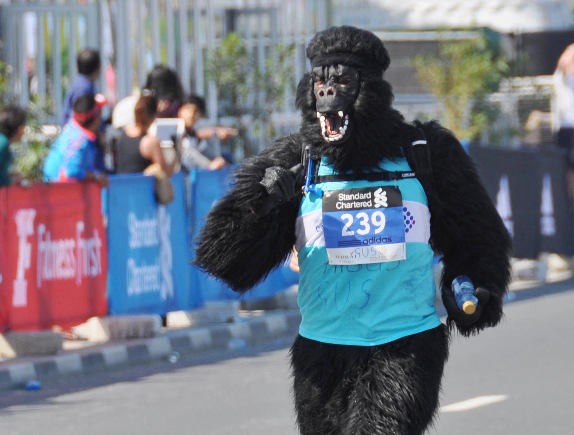 AEM-Dubai-marathon-running-15-1-2322